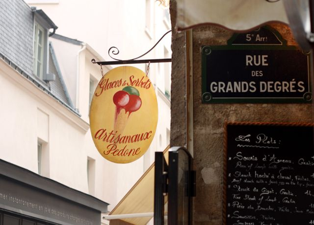 Typical Parisian sign.
